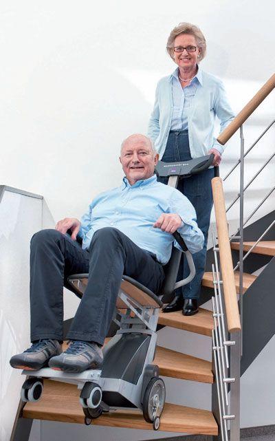 Montascale mobile per disabili e anziani riconducibile per for Sedia elettrica che sale le scale